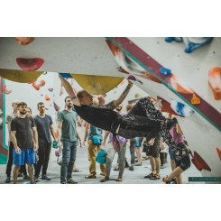 bloc-climbing-flashpoint-bristol-up