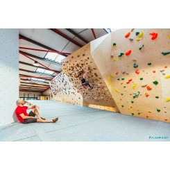 world-class-bouldering-wall