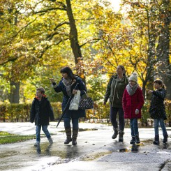 Marwell Zoo - Family in autumn
