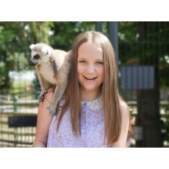 Lemur and girl blurred.jpeg compressed